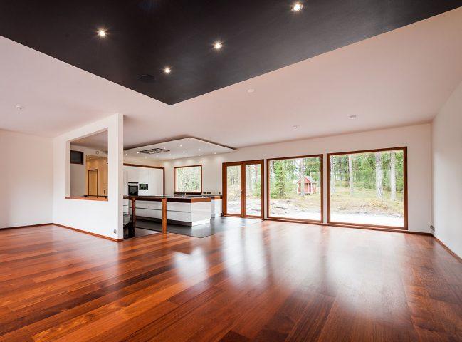Tiiviltä saat ikkunat ja ovet mittatilaustyönä uuteen omakotitaloon tai vapaa-ajan asuntoon.