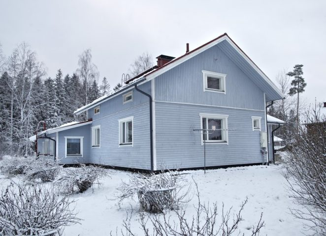 Tiivi ikkunaremontti Lievestuoreella.
