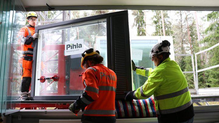 Ikkunoiden vaihto taloyhtiössä hoituu nopeasti ja luotettavasti Pihlan ammattilaisten toimesta.