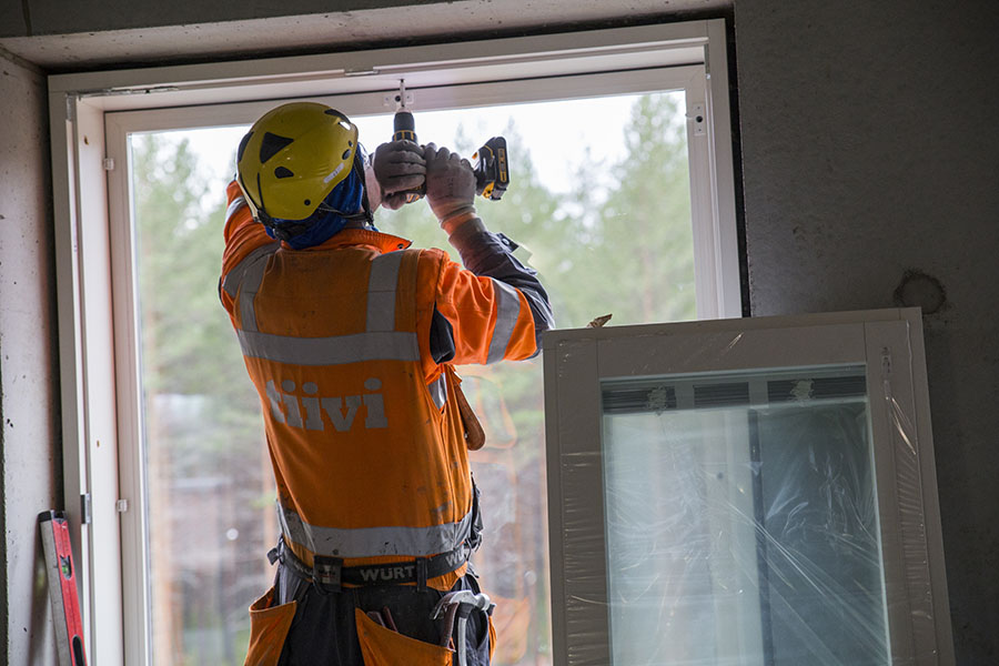 Joensuu julkisen terveyskeskuksen uudisosan ikkuna-asennus tehtiin käyttäen Tiivi Kristalli -ikkunoita